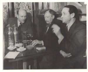 Café Tournon, Paris – Joseph Roth (m), Soma Morgenstern (r)